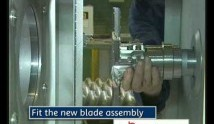 video-extruder-face-cutter-blade-change-thumb.jpg